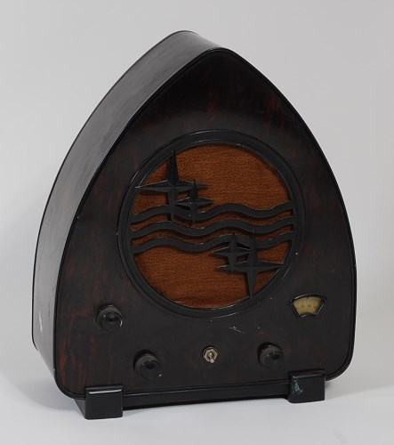 Lot 517-A Philips type 930A bakelite radio, 'The...