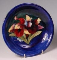 Lot 7 - A Moorcroft Anemone pattern glazed pottery...