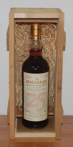 Lot 172 - The Macallen 25 year old Anniversary Malt,...
