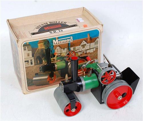 Lot 7-A Mamod SR1A steam roller comprising green, black ...