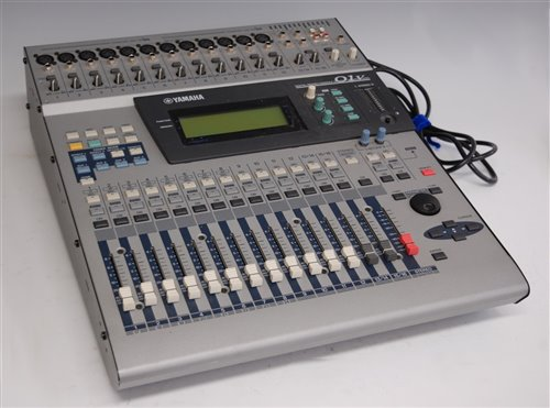 Lot 512-A 1990s Yamaha 01v digital mixing console, with...