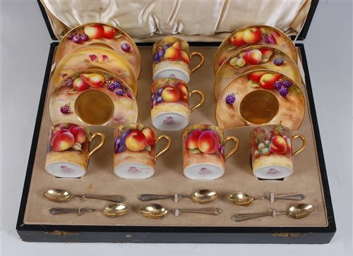 Lot 1030-*A cased matched set of Six Royal Worcester...