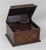 Lot 517-An early 20th century HMV oak cased table-top...