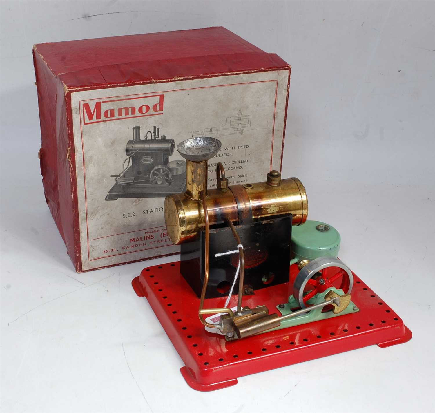 Lot 3-An early Mamod SE2 stationary steam engine...