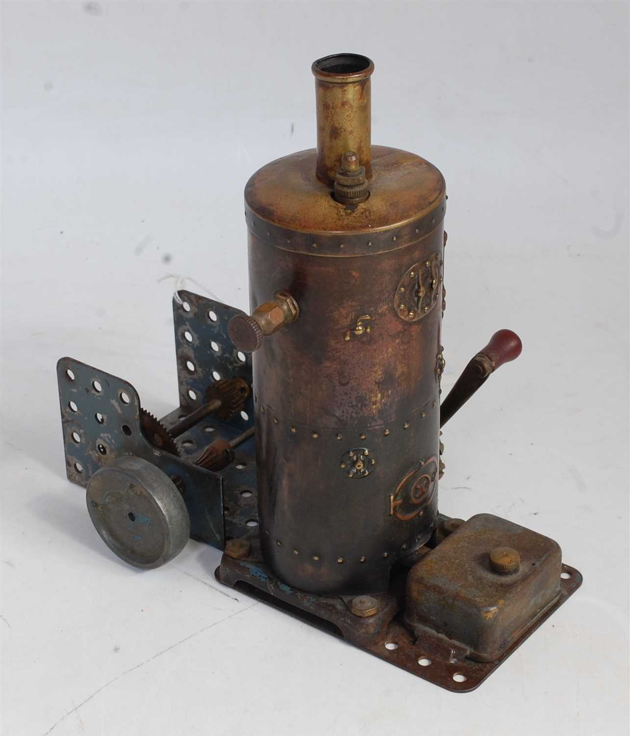 Lot 19-A Mamod TE1 traction engine finished in red with...