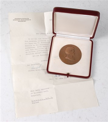 Lot 42-Austria, Internationale Stiftung Mozarteum in Salzburg medal