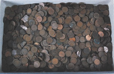 Lot 2077-Great Britain, a large collection of copper farthings