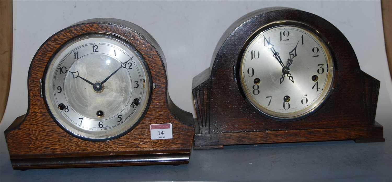 Lot 14-A 1930s oak cased mantel clock, having a silvered ...