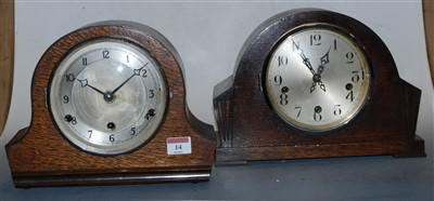 Lot 14-A 1930s oak cased mantel clock, having a silvered ...