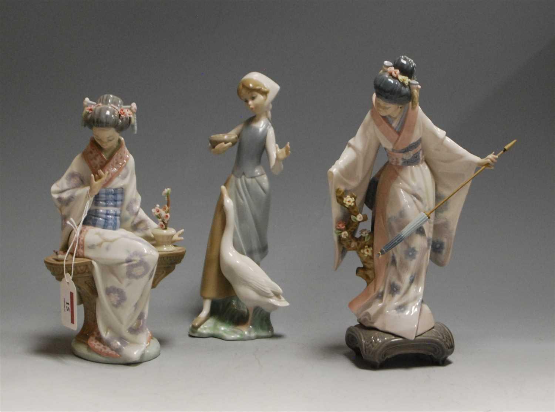 Lot 15 - A Lladro figurine of Japonesa Serenidad, boxed;...