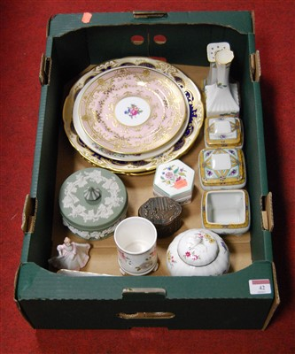 Lot 42-A box of miscellaneous china, to include...