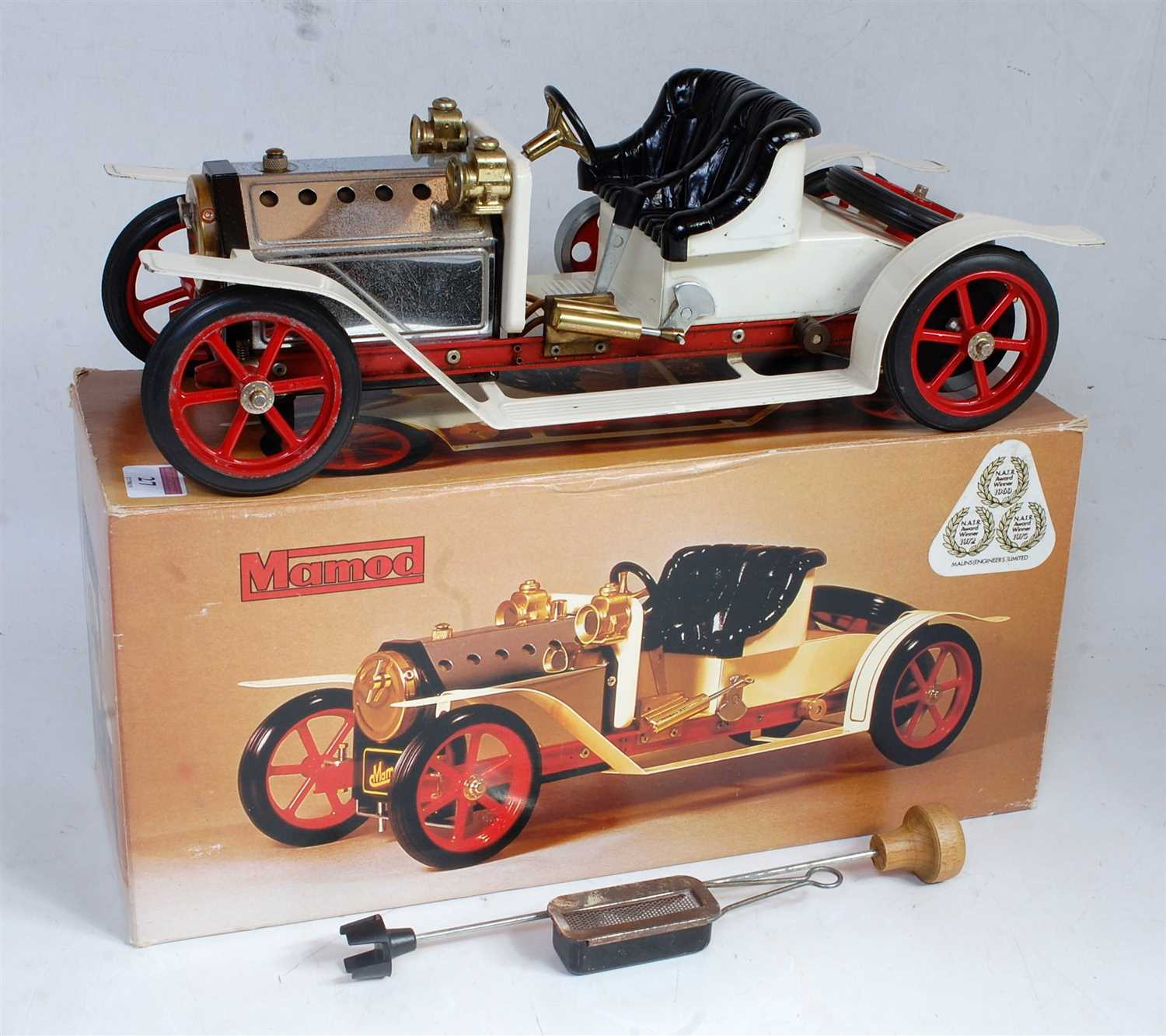 Lot 27-A Mamod steam roadster SA1 comprising white and...
