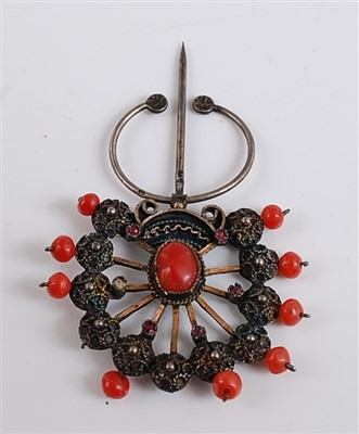 Lot 2508-A fan shaped coral stick pin, with eleven...