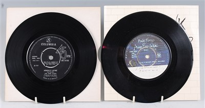 Lot 661 - The Pink Floyd, Arnold Layne / Candy and a Current Bun