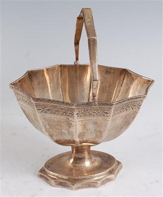 Lot 1082 - An Edwardian silver pedestal sweetmeat basket,...