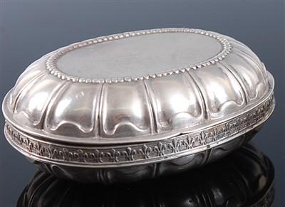 Lot 1119 - A late 19th century Hanau silver pocket snuff...