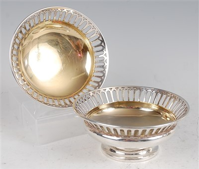 Lot 1105 - A pair of Edwardian silver bonbon dishes, each...