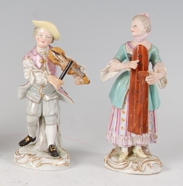 Lot 1011-A near-pair of Meissen porcelain musician figures,...