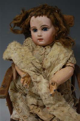Lot 2014-A Tete Jumeau Bébé French bisque head doll,...
