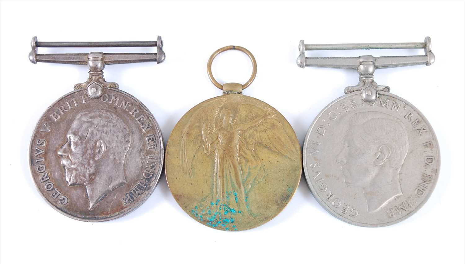 Lot 21-A WW I British War and Victory duo