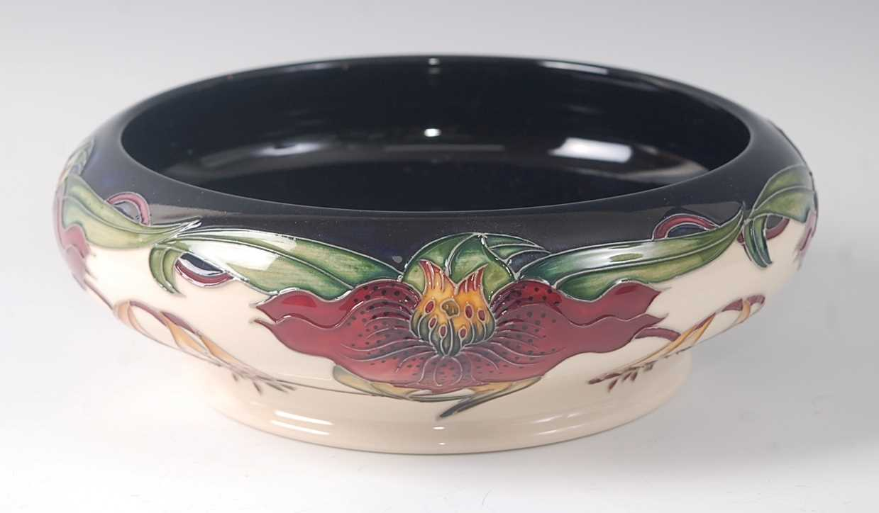 Lot 1-A modern Moorcroft pottery bowl in the Anna Lily...