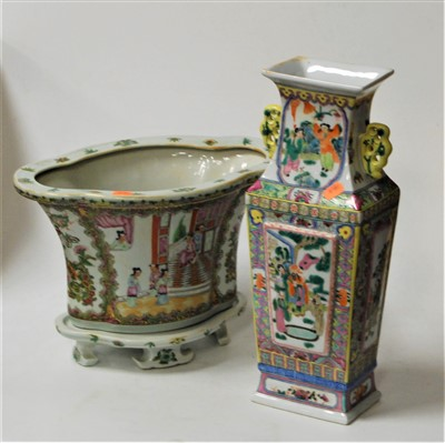 Lot 1-A reproduction Chinese Famille Verte jardiniere...