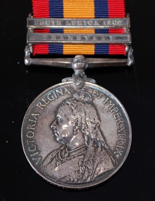 Lot 8-A Queen's South Africa medal (1899-1902)