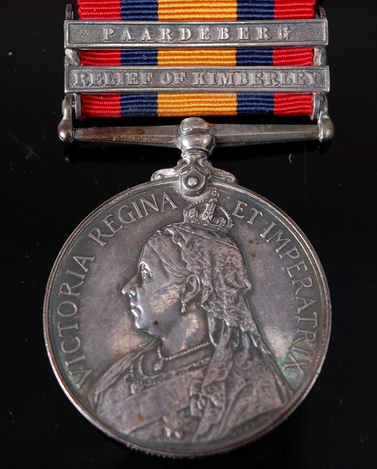 Lot 9 - A Queen's South Africa medal (1899-1902)