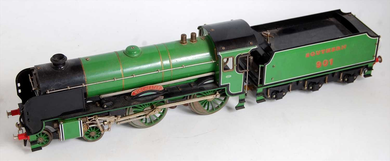 Lot 4-An Aster gauge 1 live steam model of a green...
