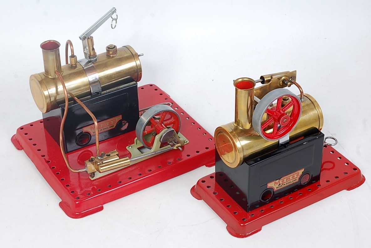 Lot 17-Two various Mamod stationary steam plants...