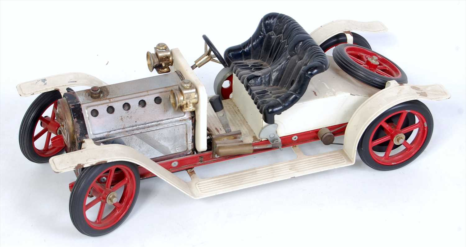 Lot 22-A Mamod SR1 steam roadster comprising white and...