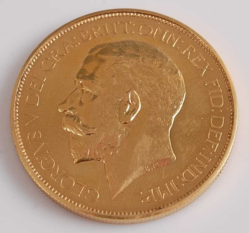 Lot 269 - Great Britain, 1911 gold proof five pound coin