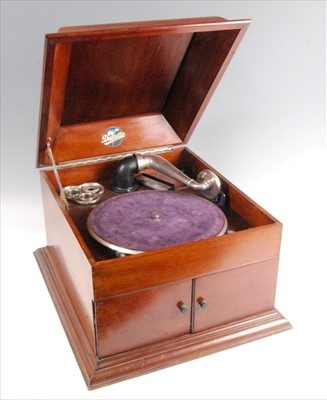 Lot 506-A 1920's mahogany cased Dulcetto table top gramophone