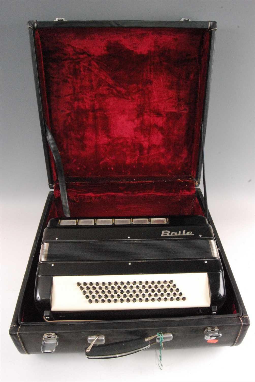 Lot 507-A Baile piano accordion