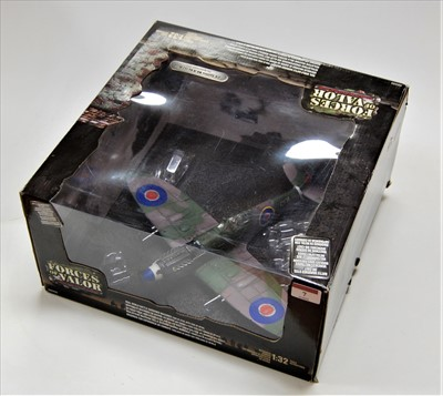 Lot 7-A boxed Forces Valour 1.32 scale model of a UK...
