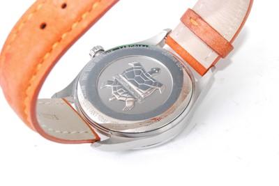 Lot 2013-A gent's Tina steel cased DS-2 Precidrive quartz...