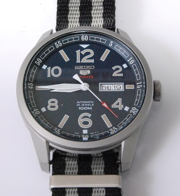Lot 2029-A gent's Seiko 5 Sports steel cased automatic...