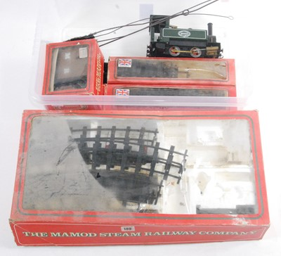 Lot 22-A collection of Mamod steam railway items and...
