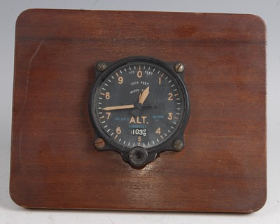 Lot 65-A WW II Air Ministry altimeter