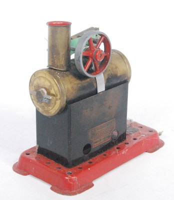 Lot 7-A Mamod boxed and loose stationary steam plant...