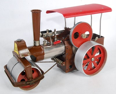 Lot 21 - A Wilesco Old Smoky steam roller finished in...