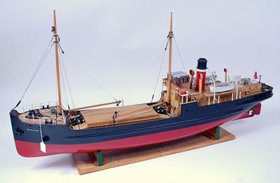 Lot 33 - A Caldercraft? kit built and gas powered model...
