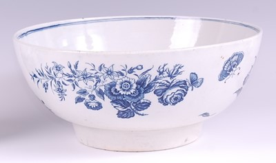 Lot 1039-A Worcester porcelain footed punch bowl,...