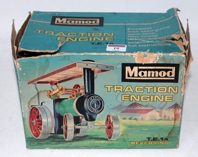 Lot 19-A Mamod TE1A reversing traction engine in...