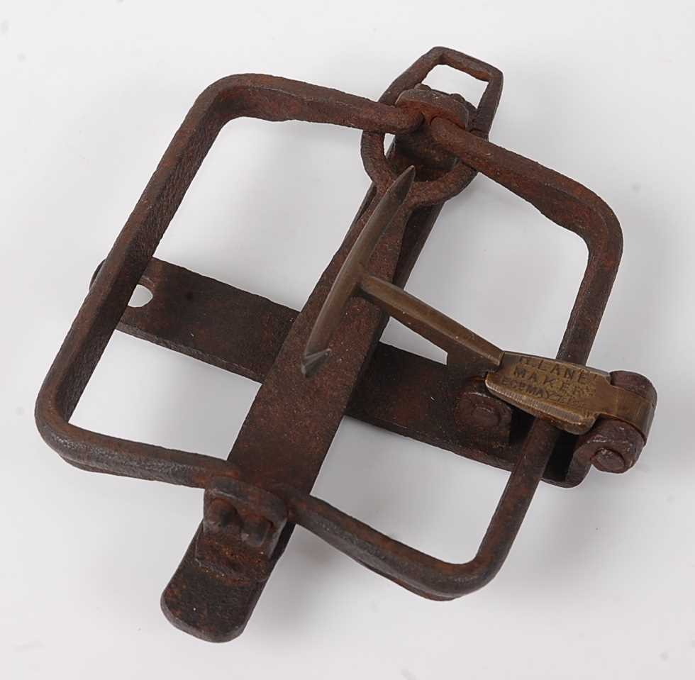 "Lot 323 - A Victorian iron kingfisher trap, having 3 1/2""..."