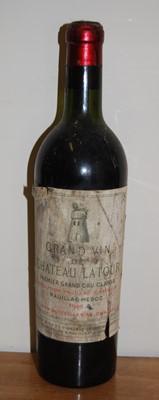 Lot 1006-Château Latour 1er Grand Cru Classe, 1949,...
