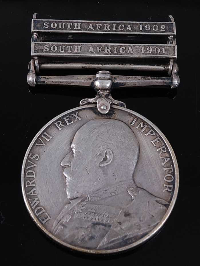 Lot 1-A King's South Africa medal (1901-1902) with...