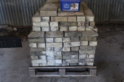Lot 6-Cambridge White Bricks (Approx. 500)
