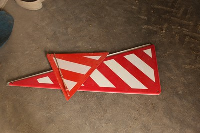 Lot 15-2 x Hazard Signs