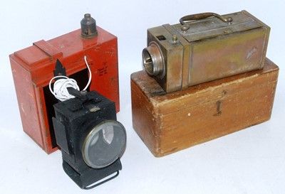 Lot 12 - A measurement device in brass outer case RD...